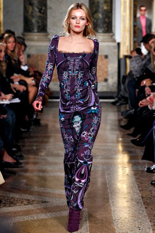 images/cast/00000500991272034=my job on fabrics x=emilio pucci - Fall show 2011.12 -